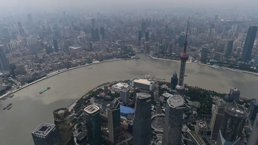 China grows more than expected, while the US expects a contraction