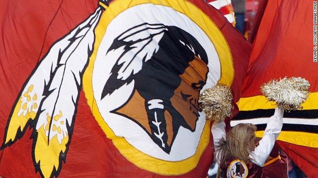 Los Redskins de Washington anuncian que retirarán el nombre y logotipo del equipo