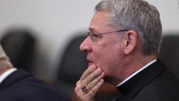 El obispo Robert Finn, de Kansas City, en una corte el 6 de septiembre de 2012. Crédito: Pool/Tammy Ljungblad/Kansas City Star/MCT