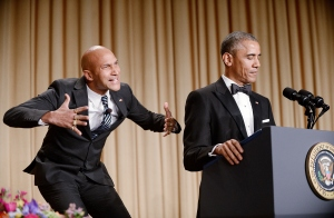 """Luther, el """"traductor de ira"""", durante la cena de corresponsales de la Casa Blanca el pasado 25 de abril de 2015. (Crédito: Olivier Douliery-Pool/Getty Images)"""