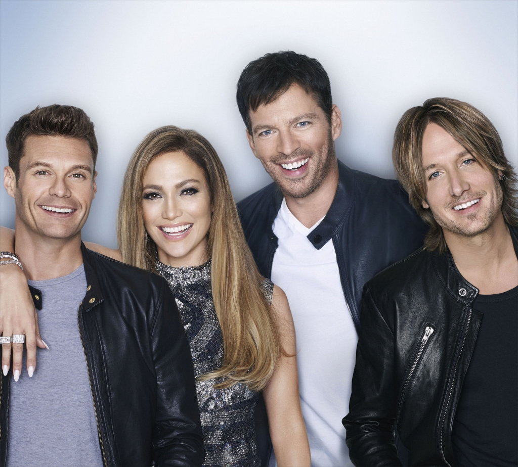 De izquierda a derecha: Ryan Seacrest, Jennifer Lopez, Harry Connick JR., y Keith Urban. (Crédito: Matthias Vriens-McGrath /FOX)
