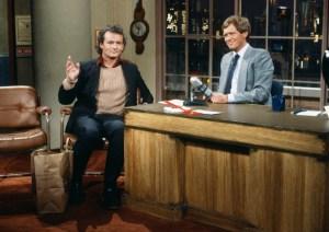 """Bill Murray (izq) fue uno de los invitados favortos de Letterman (der). Aquí en el primer programa """"Late Night"""" de NBC, en 1982."""