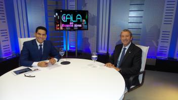 Julio Cobos con Ismael Cala durante la grabación del programa.