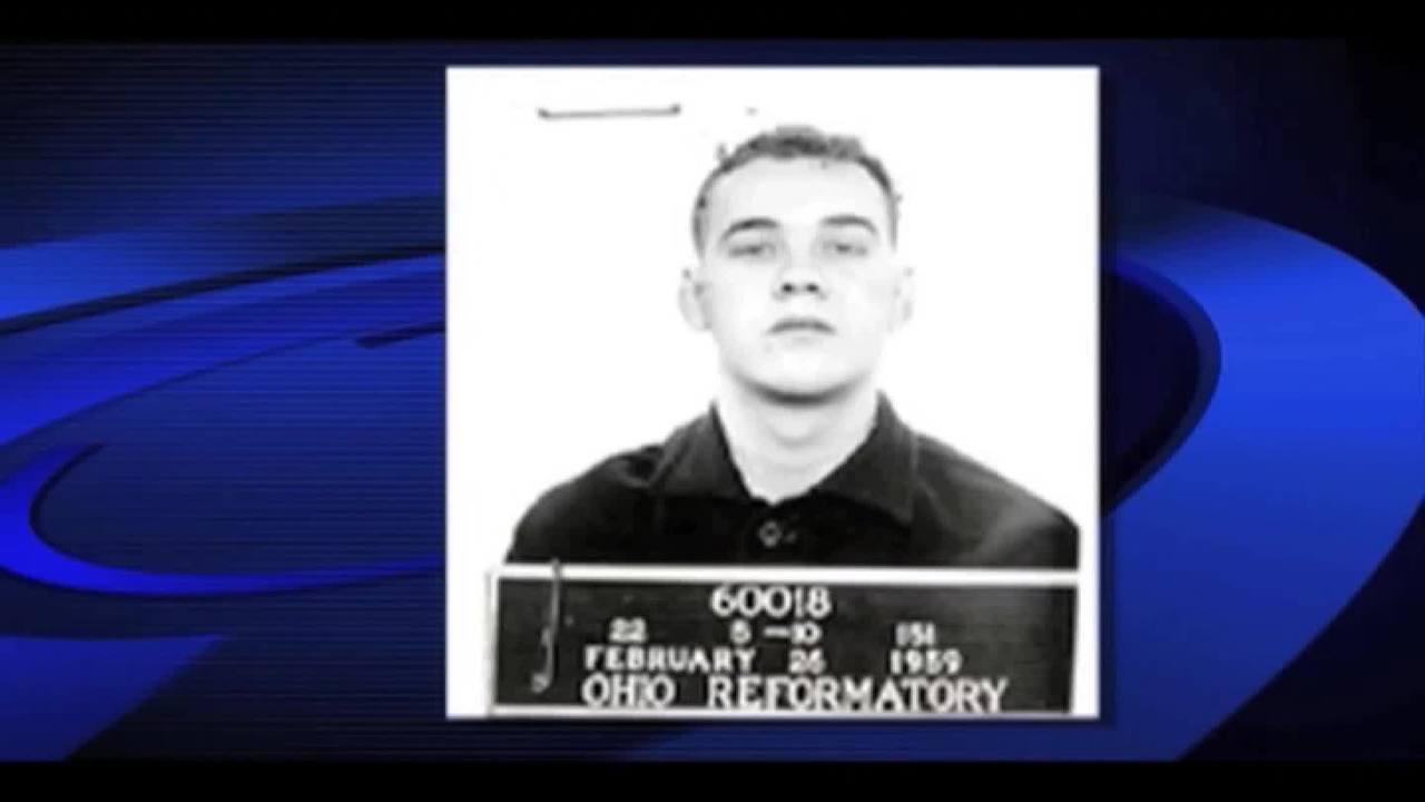 En 1959 Frank Freshwaters fue sentenciado a 20 años de prisión por homicidio voluntario derivados de un accidente automovilístico en 1957.