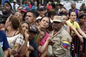 Según el informe de Paz Global, Venezuela profundizó la crisis económica desde 2014. (Crédito: JUAN BARRETO/AFP/Getty Images)