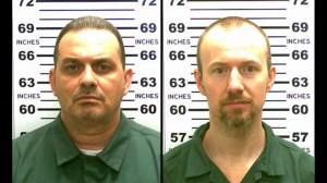 Both Richard Matt (izq) y David Sweat (der.) fueron calificados por las autoridades como dos convictos peligrosos. Las autoridades ofrecen una recompensa de 100.000 dólares por información sobre su paradero. (Crédito: New York State Police)