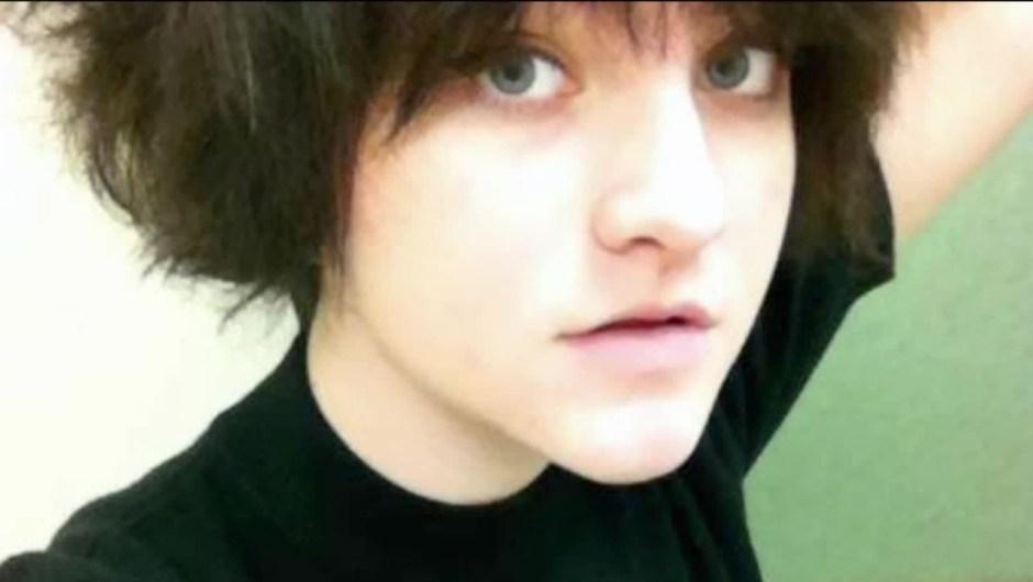 Autumn Veatch, de 16 años, volaba junto a sus abuelos el sábado cuando su avión privado se estrelló.
