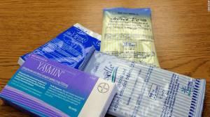 Los anticonceptivos orales, que se consumen una vez al día, tienen una combinación de estrógeno y progesterona. (Crédito:Getty Images)