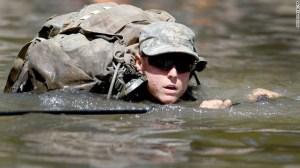 Los entrenamientos del equipo Ranger del Ejército se hacen en condiciones extremas de superviencia.