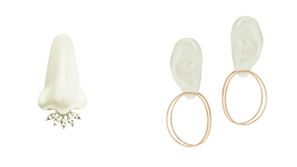 Anillo 'Marry Me' & aretes 'EARclipse'. (Crédito: CNN)