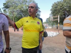 El alcalde de Cúcuta con la camiseta de la selección Colombia. (Crédito: CNN/MVL)