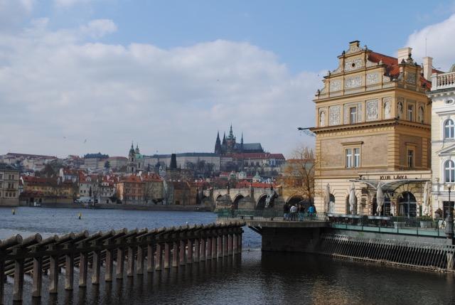 La postal de Jaqueline Hurtado de la República Checa. (Crédito: Jaqueline Hurtado/CNN)