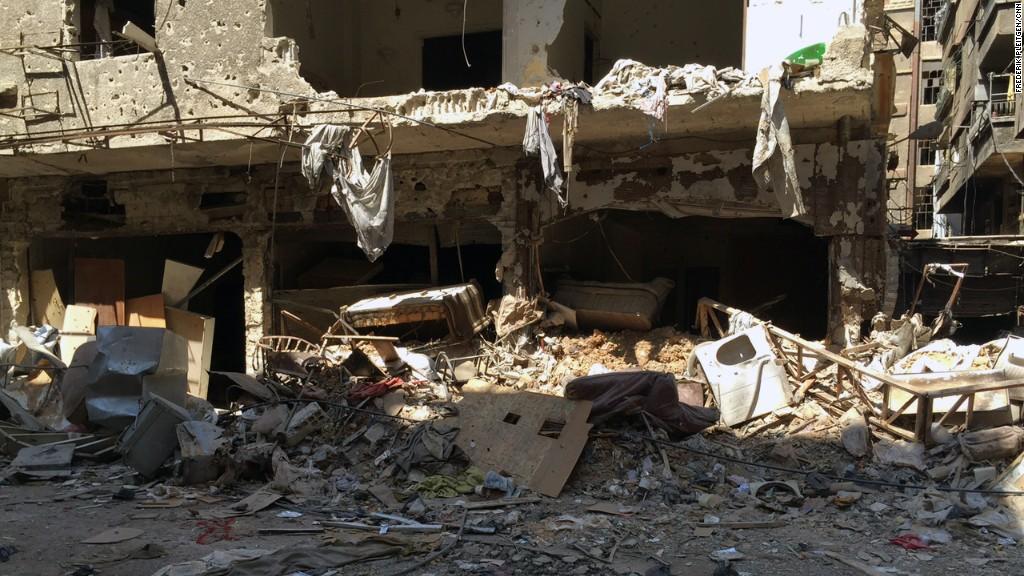 El conflicto interno en Siria estalló en 2011; desde entonces se ha incrementado dramáticamente el número de refugiados sirios en todo el mundo y la guerra interna ha dejado miles de muertos de diferentes bandos.