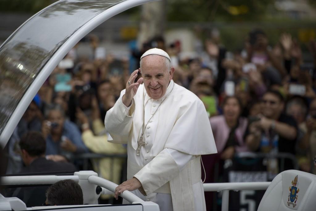 """""""El cambio climático que estamos experimentando, y sus raíces, nos concierne a todos"""", dijo el papa Francisco."""