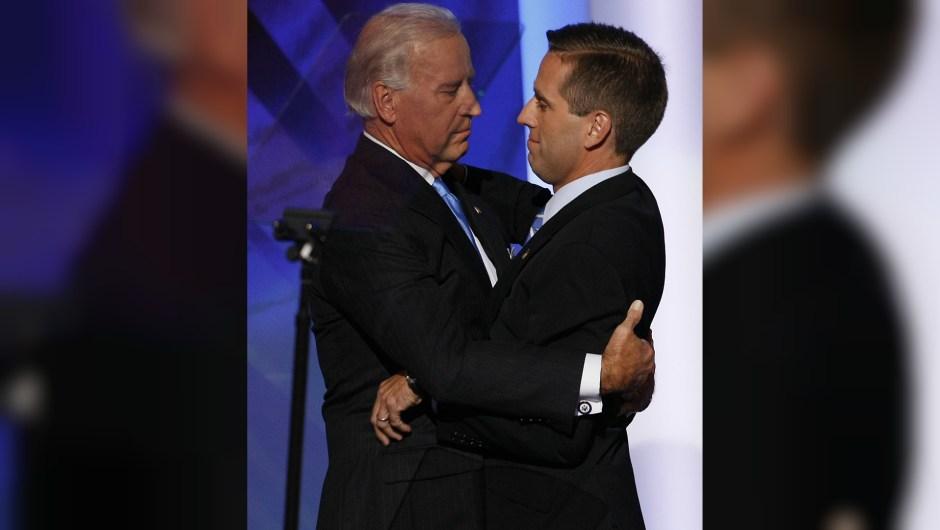 Joe Biden y su hijo durante un evento en 2008. Beau