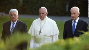 Reuniones en el Vaticano entre el papa Francisco y los líderes israelíes y palestinos han dejado serias críticas que acusan al papa Francisco de tener una agenda islámica.