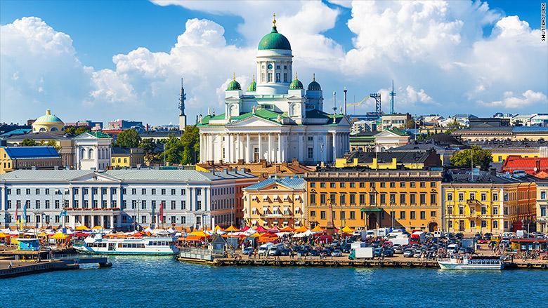 Helsinki: 1.659 horas anuales, y tiene derecho a 29 días de vacaciones remuneradas.