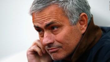 Jose Mourinho ya fue sancionado a principios de este mes con una multa y la suspensión de un partido.