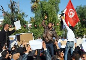 Protestas en Túnez en diciembre de 2011, en medio de la llamada 'Primavera Àrabe'. (Crédito: FETHI BELAID/AFP/Getty Images)