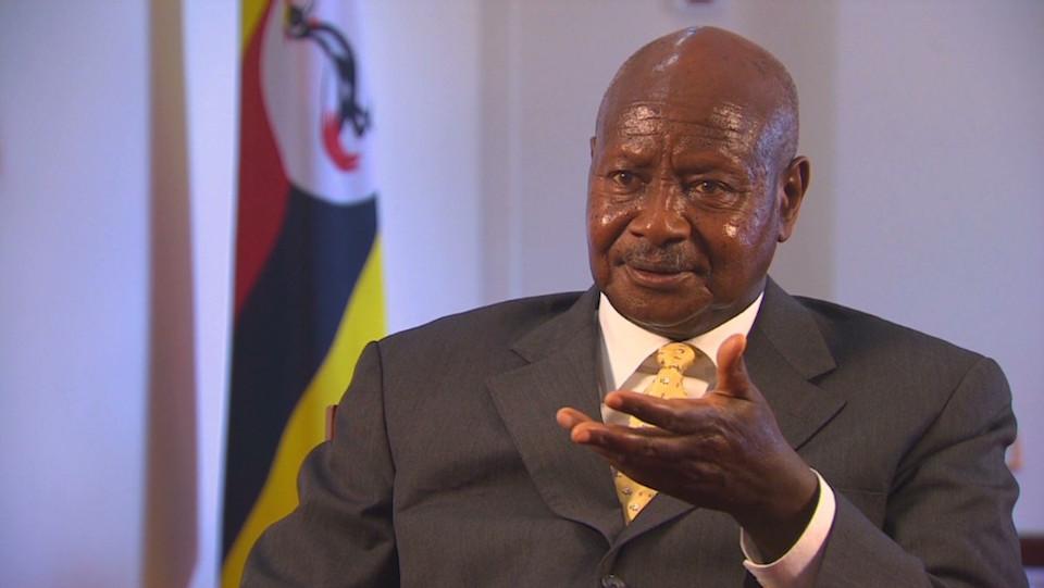 """El presidente de Uganda dice que los homosexuales """"son asquerosos""""."""