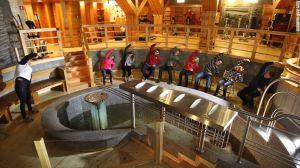 Wieliczka Salt Mine Health Resort (Wieliczka, Polonia) – La mina de sal de Wieliczka en Polonia tiene un inusual centro de salud subterráneo, libre de contaminación y alérgenos, el cual se dice que ayuda a aquellos que sufren de una variedad de problemas respiratorios.