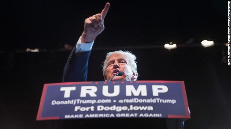 Sin importar cuán severos sean los críticos de Donald Trump, esto nunca parece perjudicar las cifras del favorito en las encuestas.