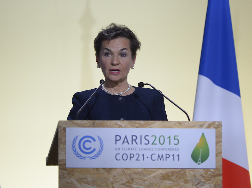 La Secretaria Ejecutiva de la Convención Marco de Naciones Unidas sobre el Cambio Climático, Christiana Figueres, durante un discurso inaugural en la Cumbre del Clima en París, el 30 de noviembre de 2015. (Crédito: BERTRAND GUAY/AFP/Getty Images)