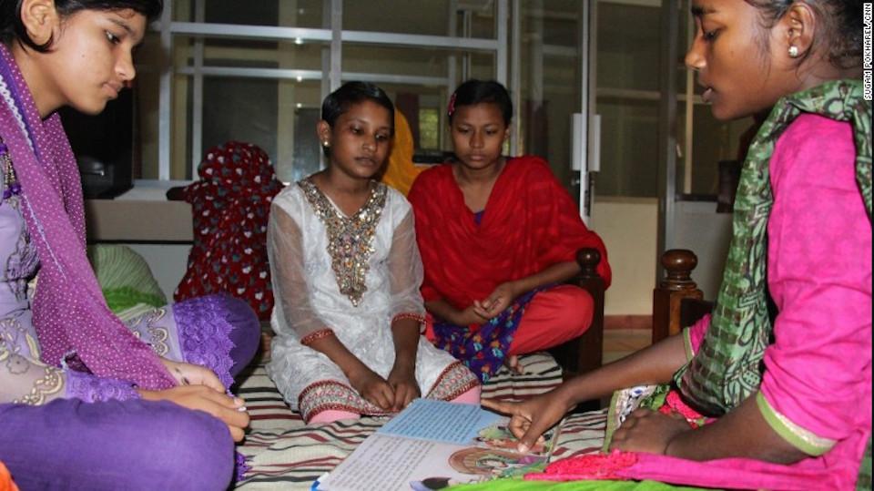 Happy está alojada en un refugio del que se encarga la asociación, donde Ali y Happy aceptaron hablar con CNN.