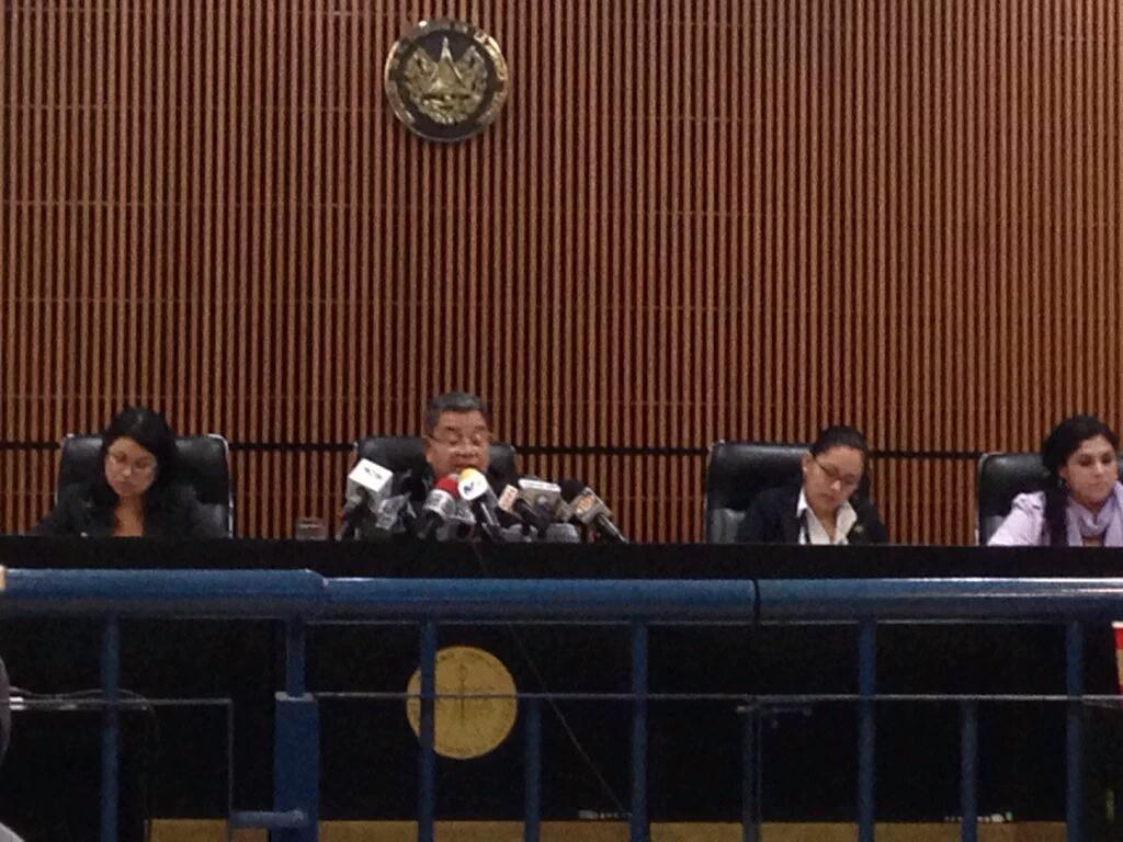 Juez Séptimo de Instrucción de El Salvador, Miguel Ángel García, durante la audiencia en la que envió a juicio al expresidente Francisco Flores. (Crédito: CNNEspañol/Merlín Delcid)