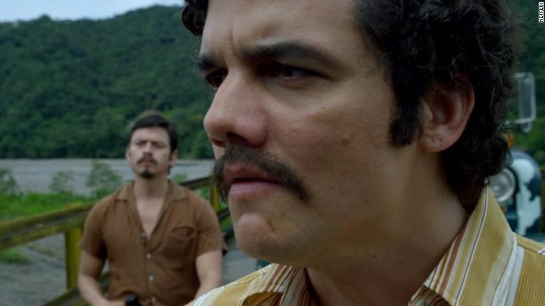 """Wagner Moura ha ganado elogios por su papel como Pablo Escobar en """"Narcos"""" y obtuvo una nominación por la mejor actuación de un actor en una serie de televisión dramática. Jon Hamm   (""""Mad Men""""), Rami Malek   (""""Mr. Robot""""), Bob Odenkirk   (""""Better Call Saul"""") y Liev Schreiber   (""""Ray Donovan""""), también están nominados."""