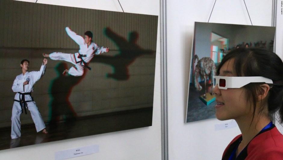 Exposición Koryo Studio – Koryo Studio –la primera galería de arte occidental que encarga, expone y vende obras de arte de artistas que viven y trabajan en Corea del Norte– presentó una exposición de la obra de Tančič en Chollima House of Culture en la capital de Pyonyang.