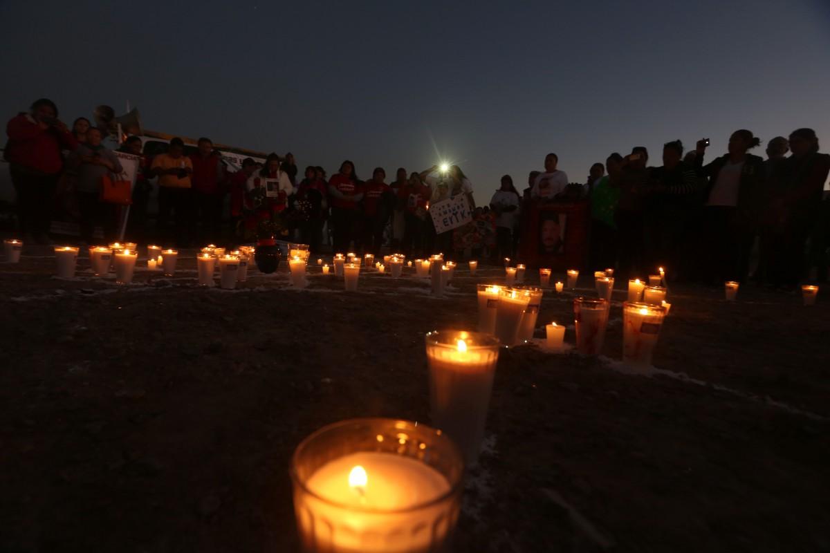 Familiares de mujeres desaparecidas protestan cerca del aeropuerto de Ciudad Juárez, México, poco antes de que el papa Francisco llegara a dicha ciudad fronteriza. (Crédito: Julio César Aguilar/AFP/Getty Images)