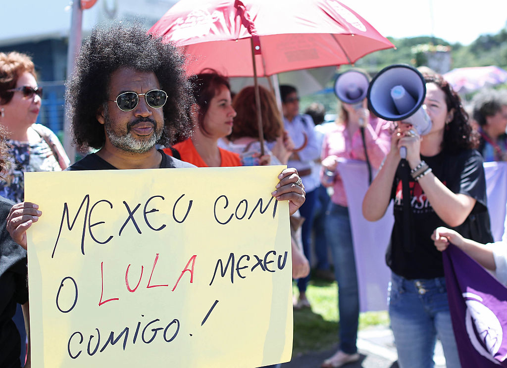 MAnifestantes Lula Brazil policía federal corrupción Petrobras