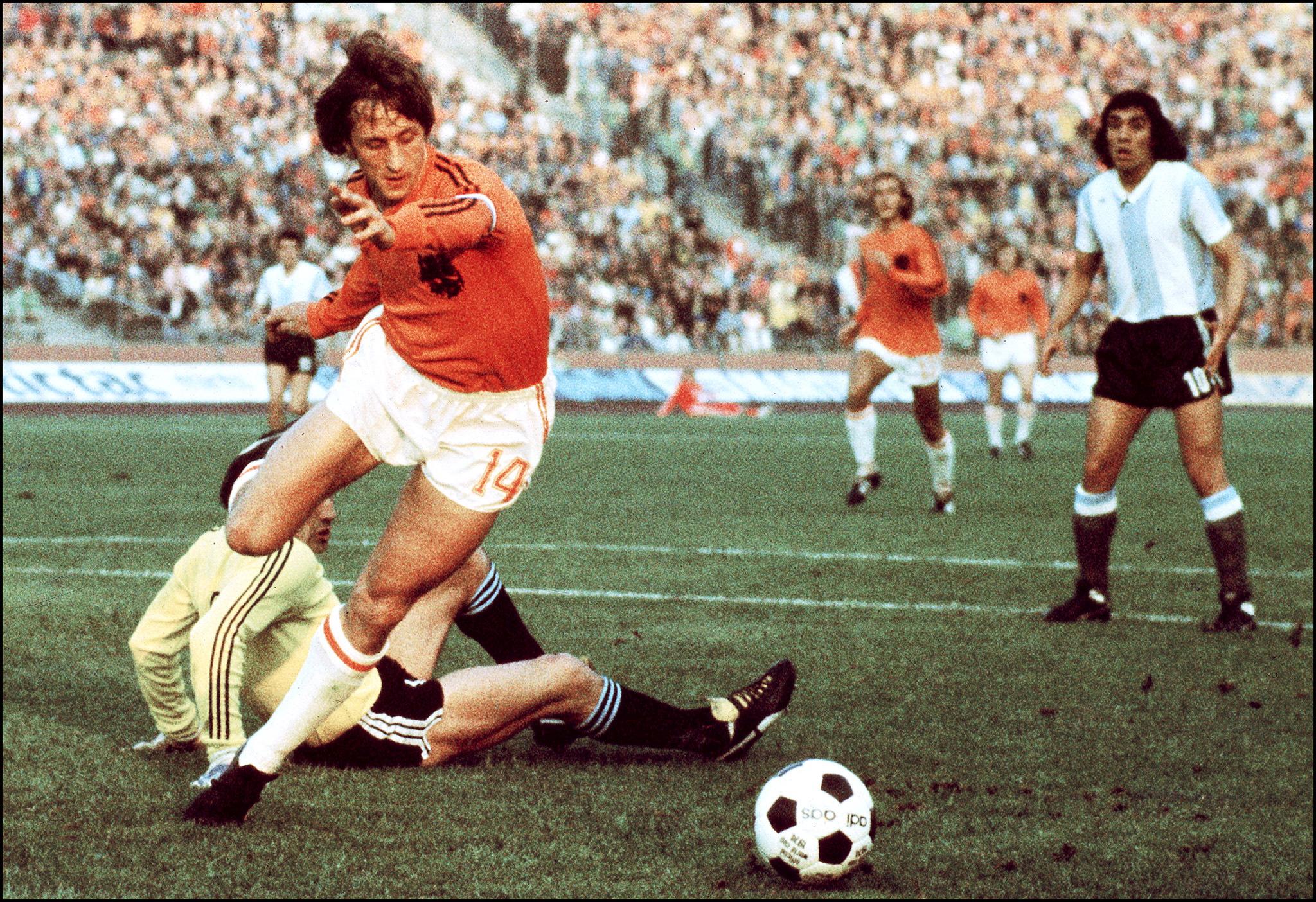 Johan Cruyff fue entrenador de Holanda y del Barcelona.