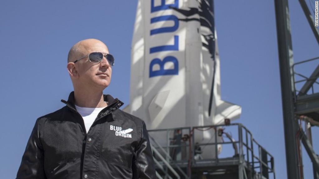 Boleto para volar al espacio con Jeff Bezos fue subastado en US$ 28 millones