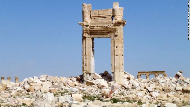 Restos de la entrada al Templo de Bel, destruida por ISIS en septiembre de 2015.