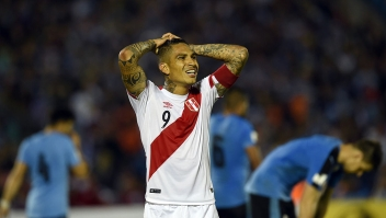 Peru's Paolo Guerrero gestures during the Russia 2018 FIFA World Cup South American Qualifiers' football match against Uruguay at the Centenario stadium in Montevideo, on March 29, 2016. AFP PHOTO / PABLO PORCIUNCULA / AFP / PABLO PORCIUNCULA (Photo credit should read PABLO PORCIUNCULA/AFP/Getty Images)