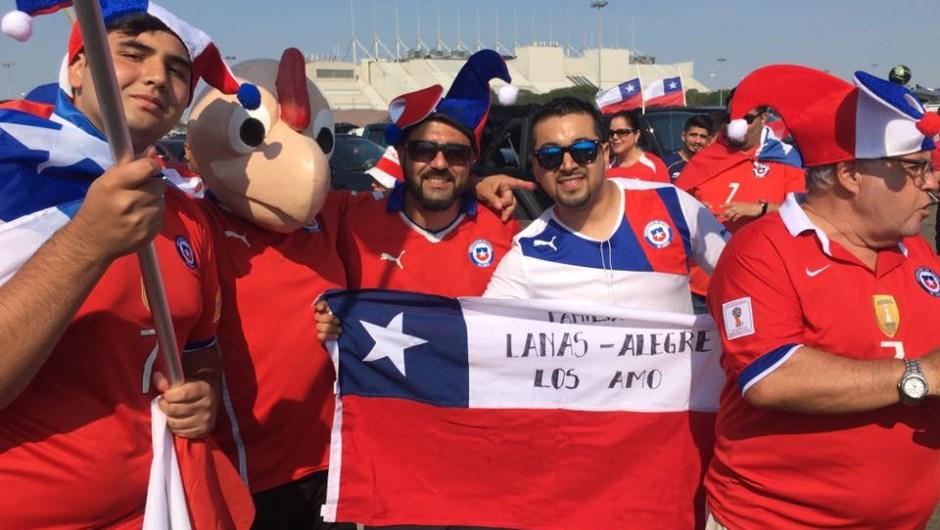 Argentinos y chilenos le pusieron color a la previa de la final de la Copa América Centenario en los aledaños del Metlife Stadium en Nueva Jersey, el domingo 26 de junio de 2016.