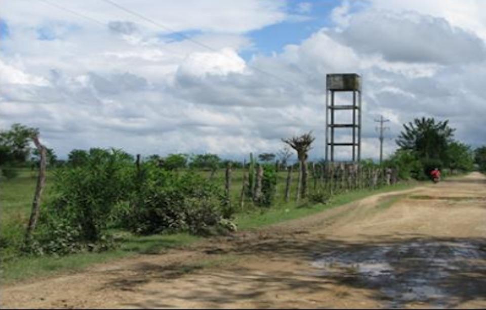 Carretera ubicada en Puerto Mosquito, donde se concentraron los hechos de violencia cometidos por las Autodefensas Campesinas del Sur del Cesar (Crédito: Fiscalía General de Colombia)