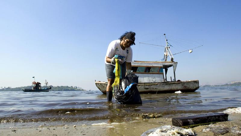 Alrededor del 80% de los residuos plásticos en los océanos se origina en tierra. (Crédito: Plastic Ocean/CNN)