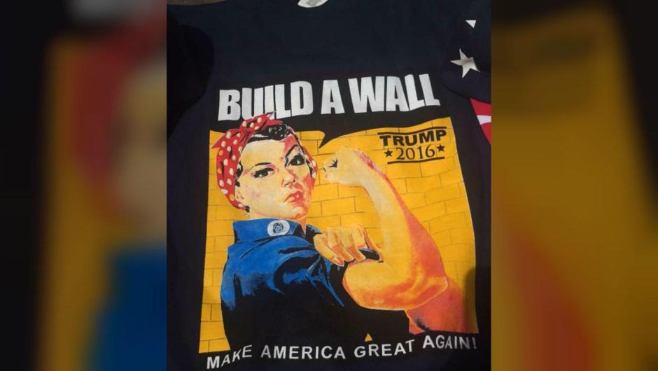 Estas son algunas de las camisetas alusivas a Donald Trump que se venden en los alrededores de la Convención Nacional Republicana en Cleveland. El precio: 20 dólares. Crédito: Marysabel Huston-Crespo/CNN