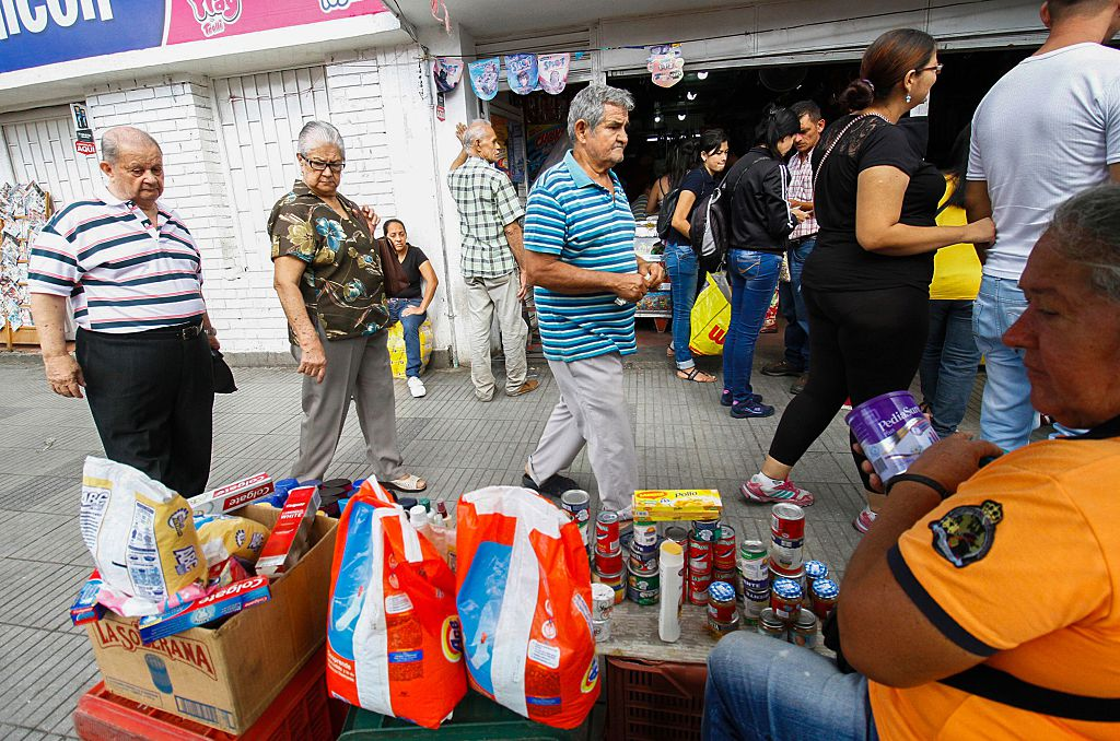 Venezuelans shop for groceries along the streets of Cucuta, Colombia on July 17, 2016. Thousands of Venezuelans crossed the border with Colombia to take advantage of its 12-hour opening after it was closed by the Venezuelan government 11 months ago. Venezuelans rushed to Cucuta to buy food and medicines which are scarce in their / AFP / Schneyder Mendoza (Photo credit should read SCHNEYDER MENDOZA/AFP/Getty Images)