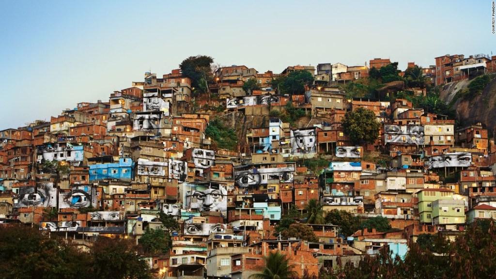 151021205843-01-112-3-favela-super-169