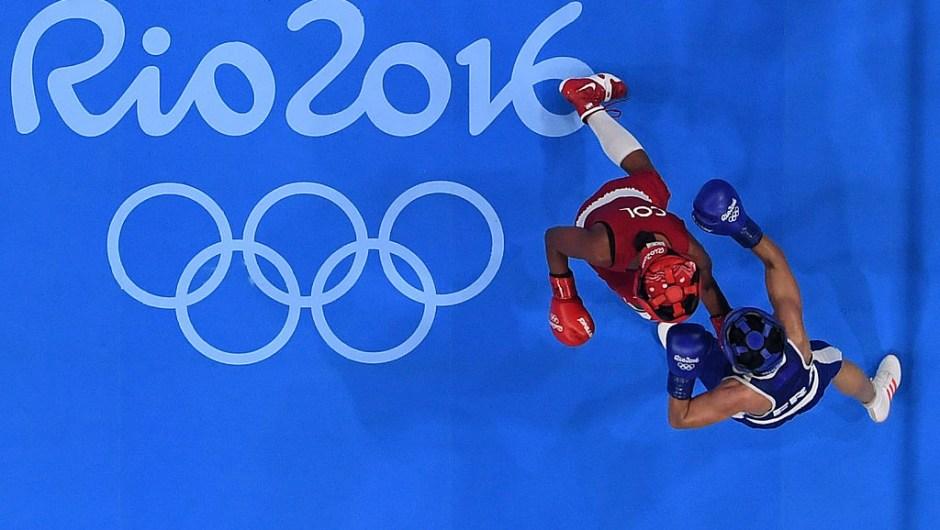 La boxeadora colombiana Íngrit Valencia se impuso este jueves a su par tailandesa, Peamwilai Laopeam, y se convirtió en la primera colombiana en ganar una medalla olímpica en el boxeo femenino. De esta manera, Valencia obtuvo la medalla de bronce en la división de los 51 kilos de Rio-2016.