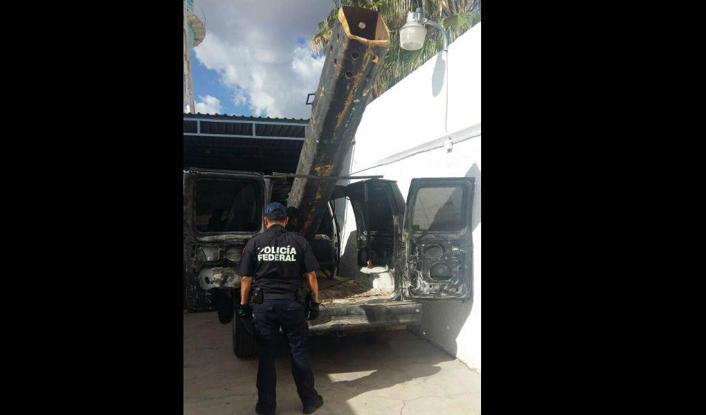 Un tubo metálico de aproximadamente 3 metros de largo sería usado como bazuca.(Policía Federal)