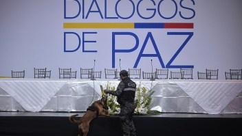 Diálogos con el ELN detenido — A pocas horas de iniciar los diálogos de paz con la guerrilla del Ejército de Liberación Nacional, el Gobierno de Colombia suspendió la instalación de la mesa de diálogos en Quito, Ecuador, hasta que no se libere a Odín Sánchez Montes de Oca, quien está secuestrado por ese grupo insurgente. (Crédito: RODRIGO BUENDIA/AFP/Getty Images)