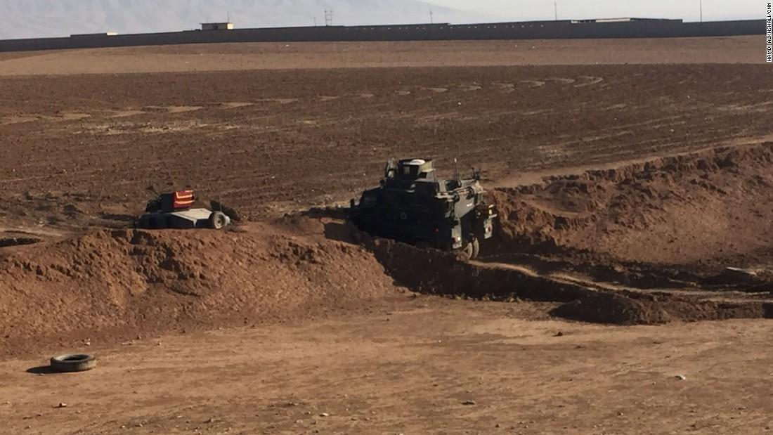 Arwa Damon y Brice Laine viajaron a Mosul en este tanque blindado MRAP, que hacía parte del regimiento Salahuddin.