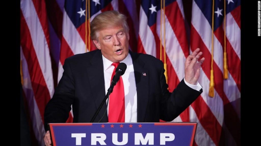 Donald Trump dio un discurso de aceptación de la victoria en horas de la madrugada del 9 de noviembre de 2016 en Nueva York.