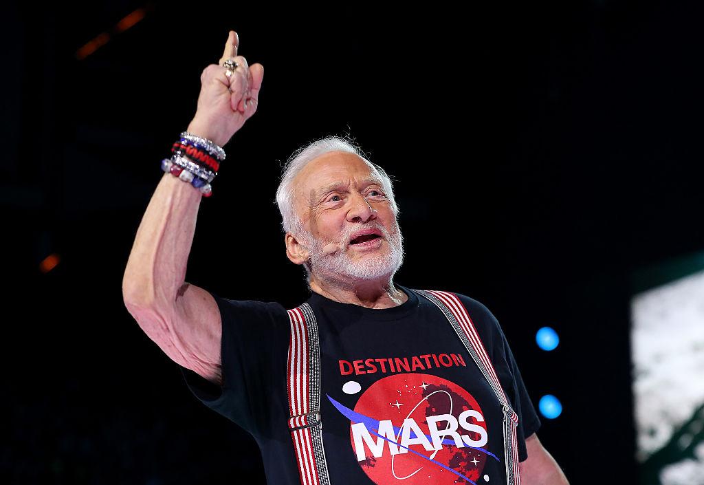 Buzz Aldrin durante un evento el 20 de septiembre de 2016 (Adam Bettcher/Getty Images for WE )