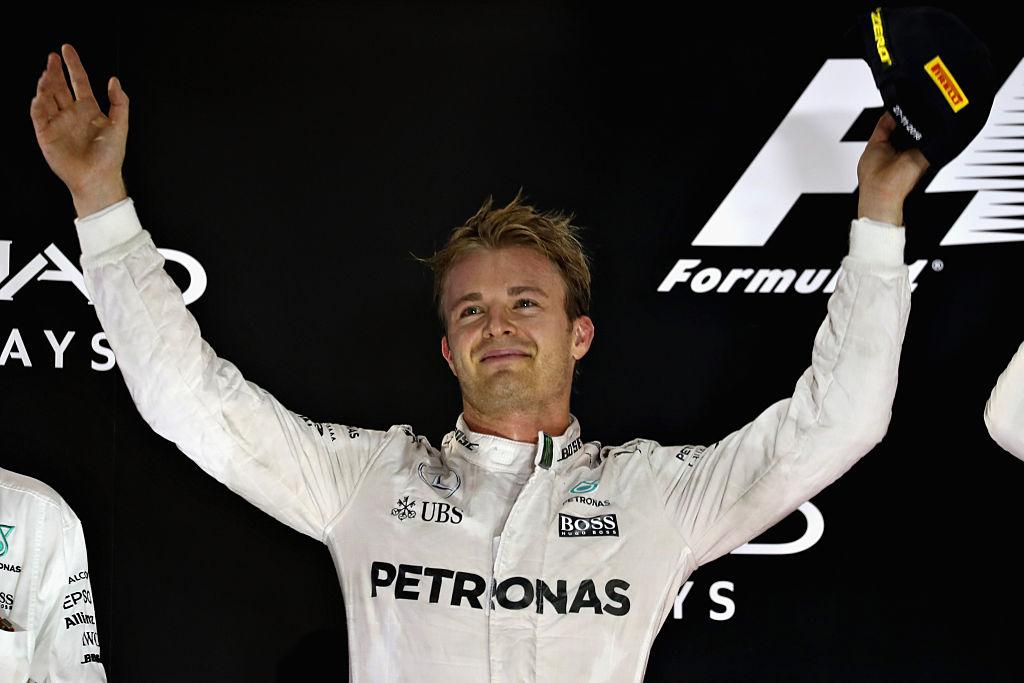 El piloto alemán Nico Rosberg, de la escudería Mercedes, al ganar el campeonato mundial en Abu Dhabi, el 27 de noviembre de 2016. (Crédito: Thompson/Getty Images)